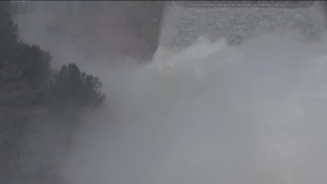 Temporary repairs underway on Lake Oroville dam