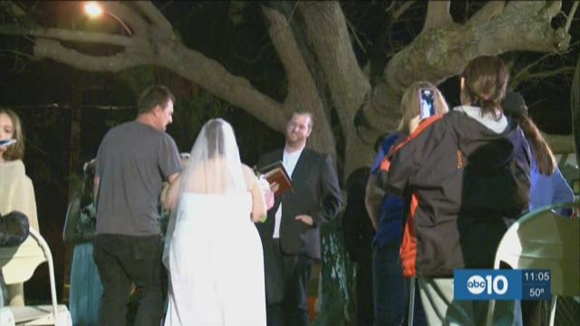 Evacuees have wedding on Valentine's Day
